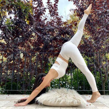 Yoga Secret Jóga Bokanadrág Latte – Indi-Go